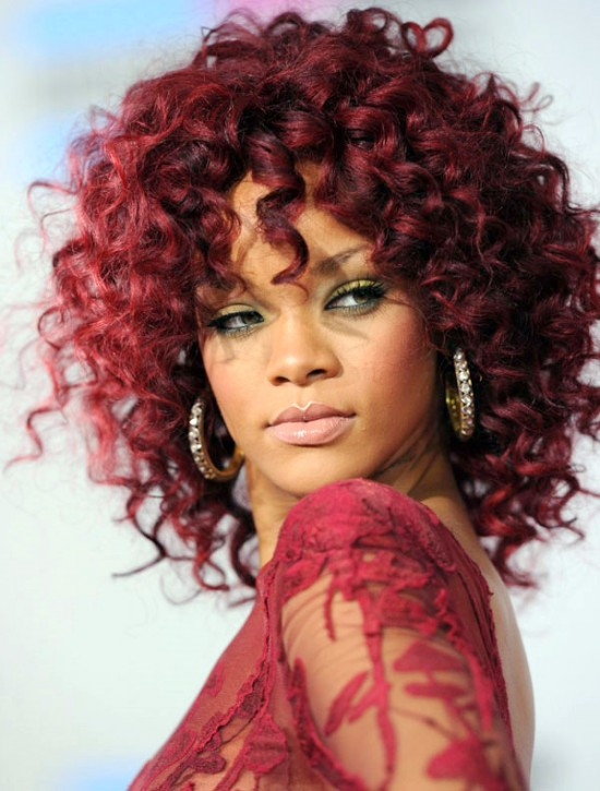 cute curly hairstyle on Rihanna