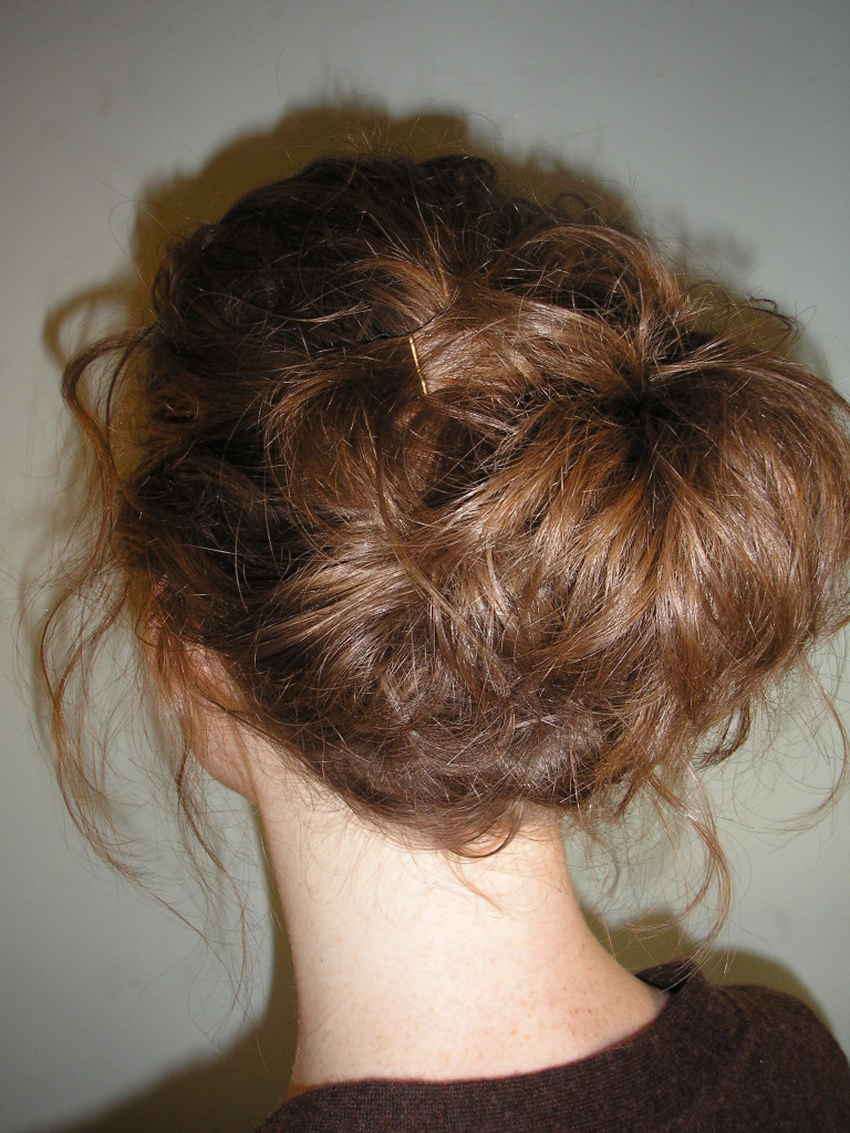 easy-updo-hairstyle-woman