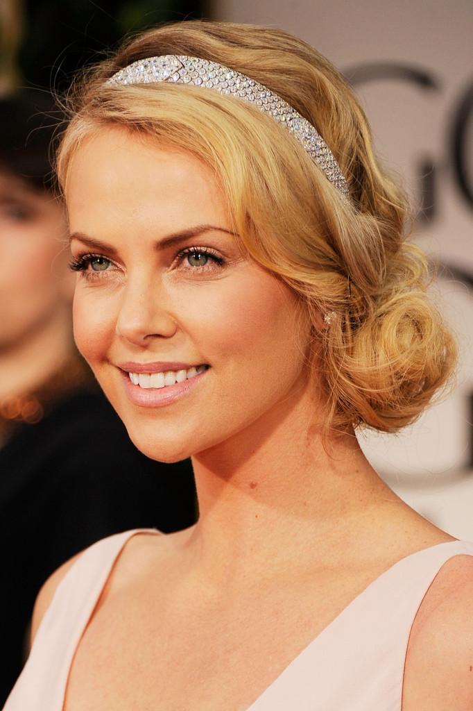 Curly Side Bun for Medium Hair - Women Hairstyles