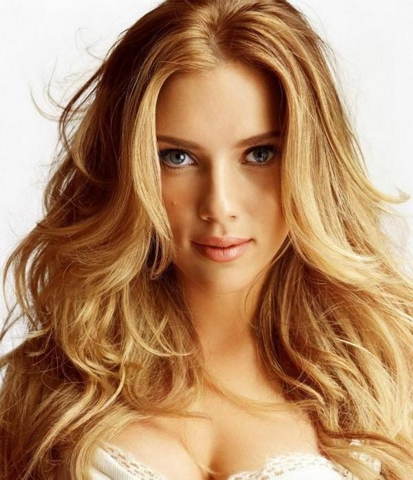 Long Wavy Shag Hairstyle for Women