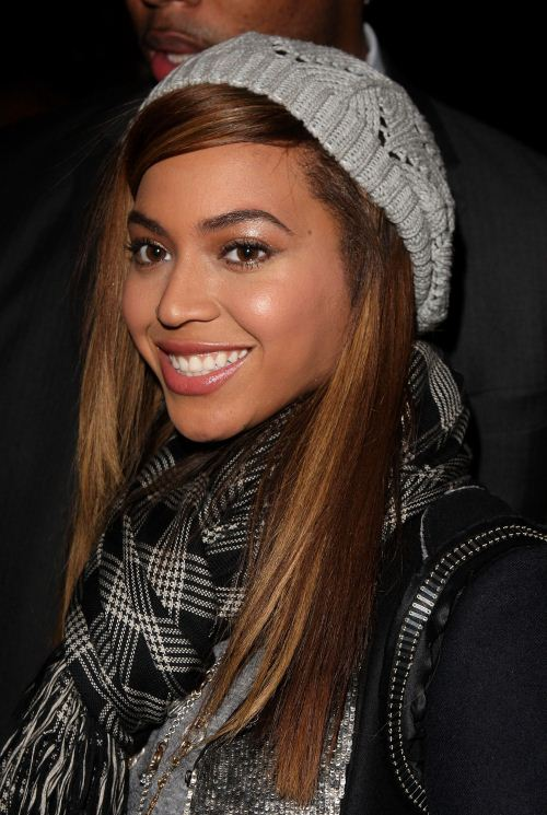 side-swept-bangs-with-winter-hat