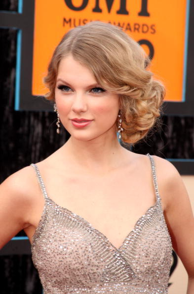 side-swept-chignon-hairstyle