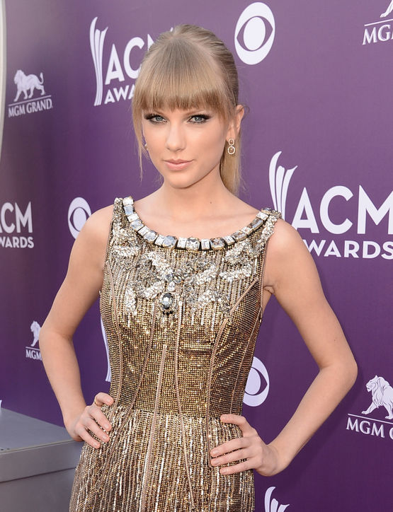 Taylor-Swift-Blunt-Bangs-Hairstyle