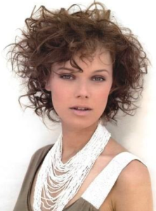 Curly-Bob-Hairstyle-for-Round-Face - Women Hairstyles