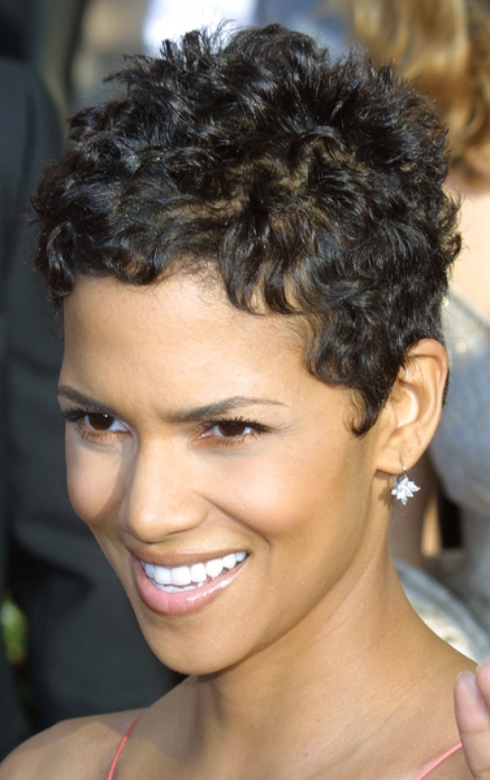 Astounding Short Curly Hair That Looks Great With A Round Face Women Hairstyles Short Hairstyles For Black Women Fulllsitofus