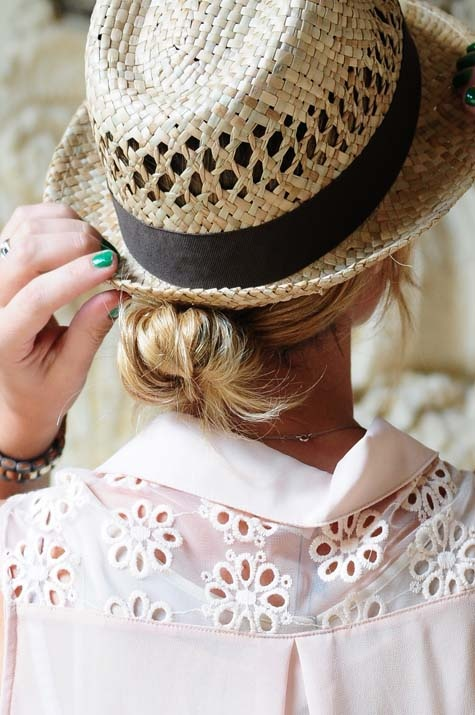 Gorgeous-summer-Hat-with-Low-Bun
