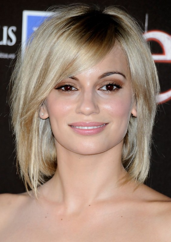 3 Medium Short Hairstyle Ideas For Women Women Hairstyles