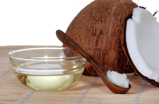DIY banana, coconut and cinnamon hair mask. - Step Into My Green World