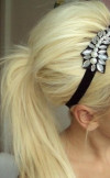 Headband-used-for-ponytail