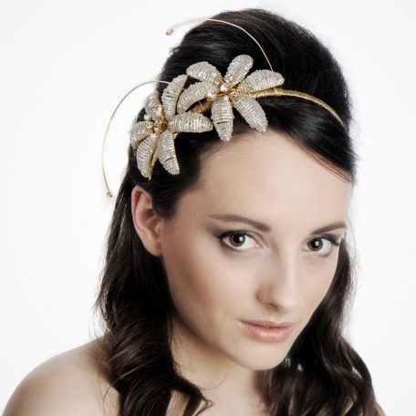 hair flower style hair with flowers hairstyles 4388 | flower tiara hair style