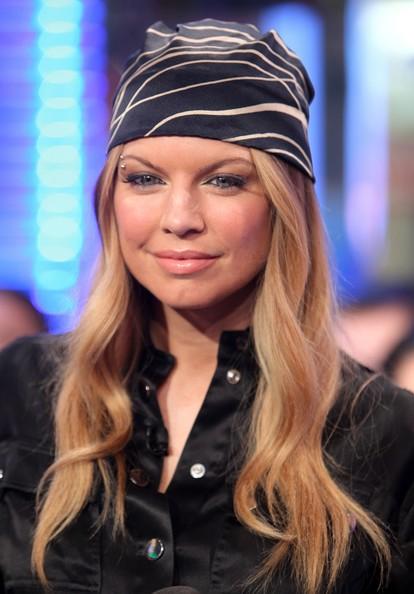 head-scarf-hair-style-celebrity