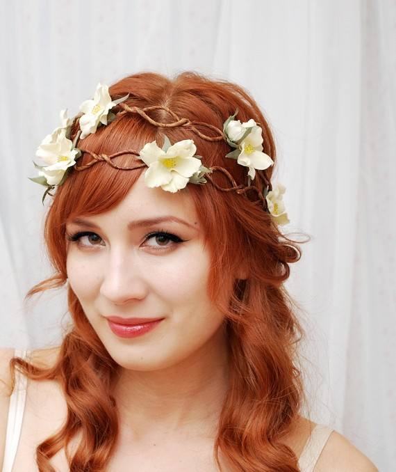 Hair with flowers women hairstyles silk flowers are used in this hairstyle mightylinksfo