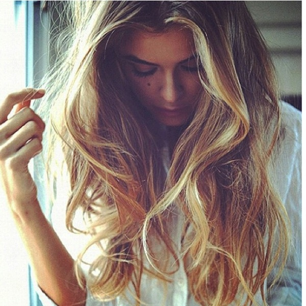how to style naturally wavy hair wavy hair hairstyles 1567