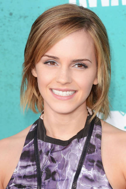 emma-watson-low-maintenace-choppy-bob-hairstyle