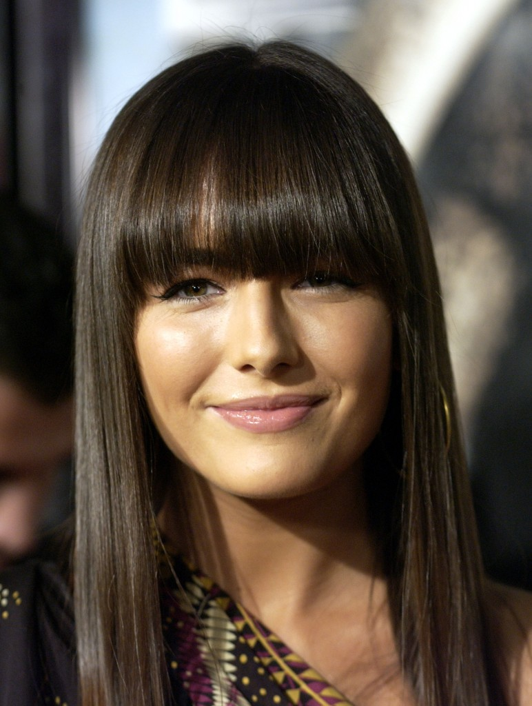 Best Fringe for Women with Round Faces