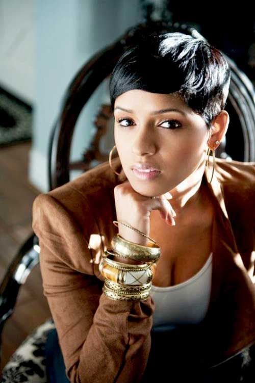 great short pixie hairstyle with bangs for black women