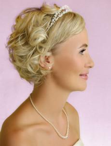 A simple short hair wedding style women hairstyles a simple short hair wedding style junglespirit Choice Image