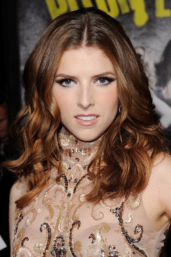 Anna-Kendrick-Subtle-Dip-Dyed-Hair-Color