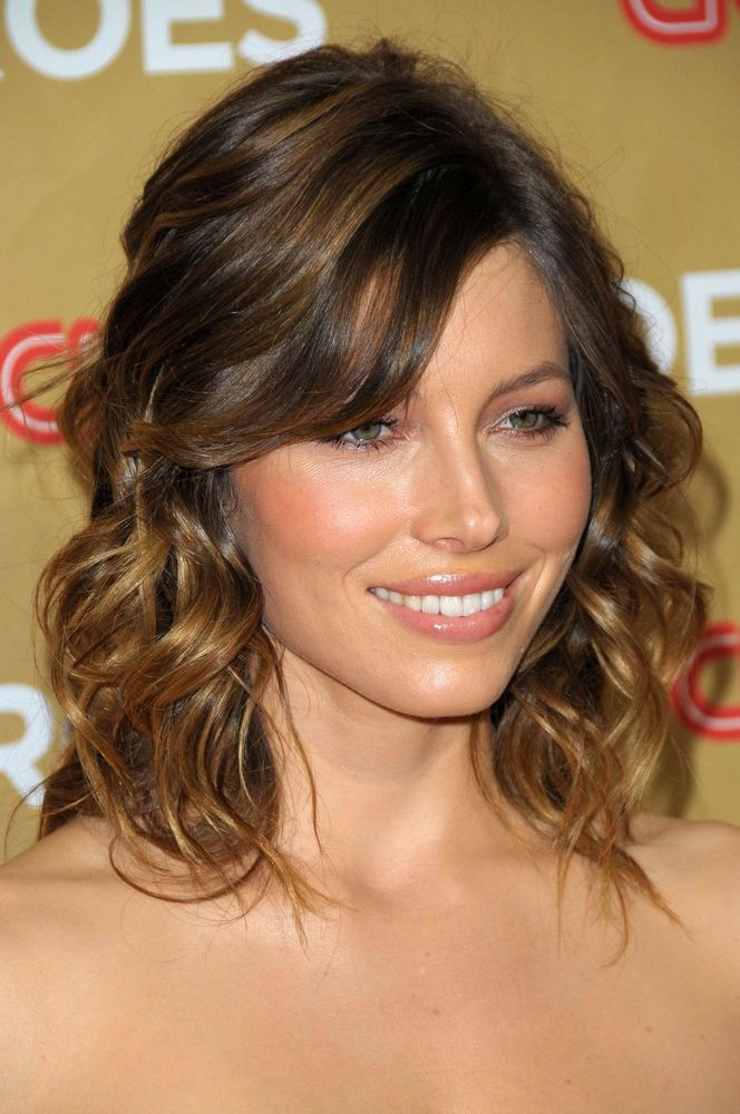 The Best Medium Length Hairstyles for Curly Hair , Women