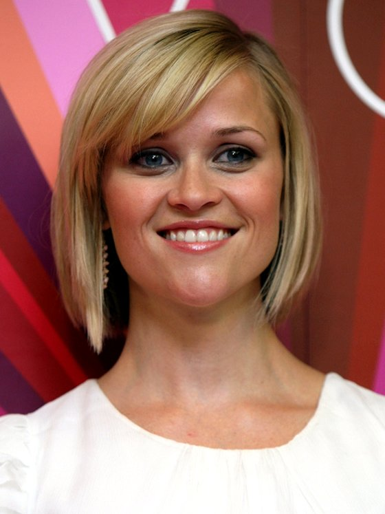 Reese-Witherspoon-Angled-Bob-Side-Swept-Bangs-Haircut