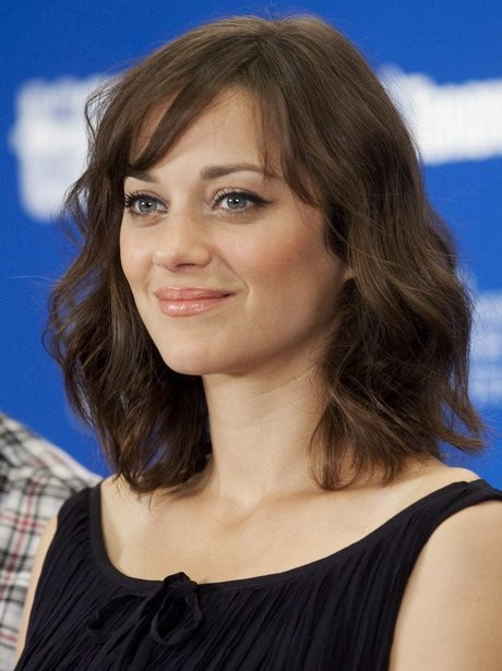 Blended Bang Medium Hairstyle For Length Hair