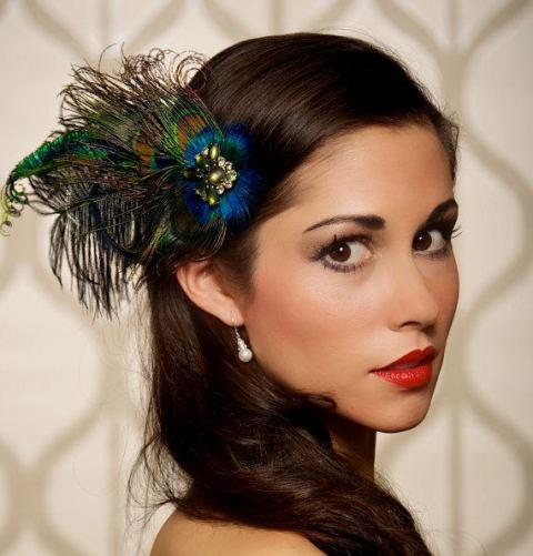 peacock-style-hair-piece-for-new-years-eve