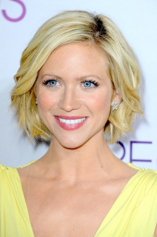 sculpted-chin-length-bob-haircut-brittany-snow