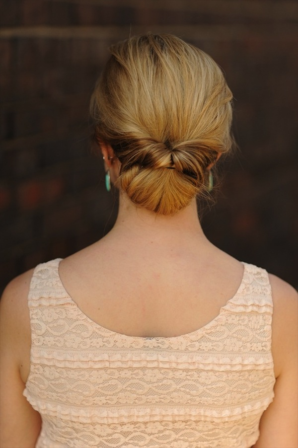 twist-on-classic-chignon-hairstyle