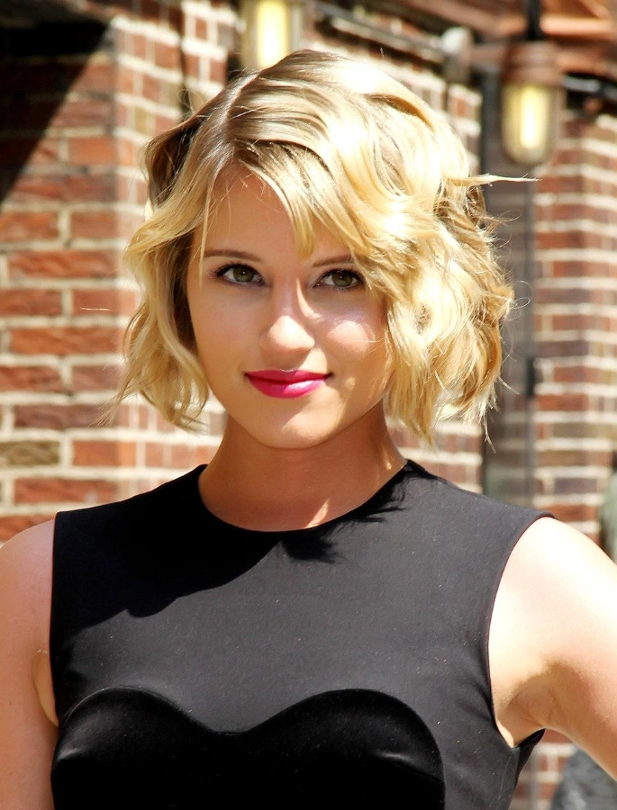wavy-chin-skimming-bob-hairstyle-Dianna-Agron - Women Hairstyles