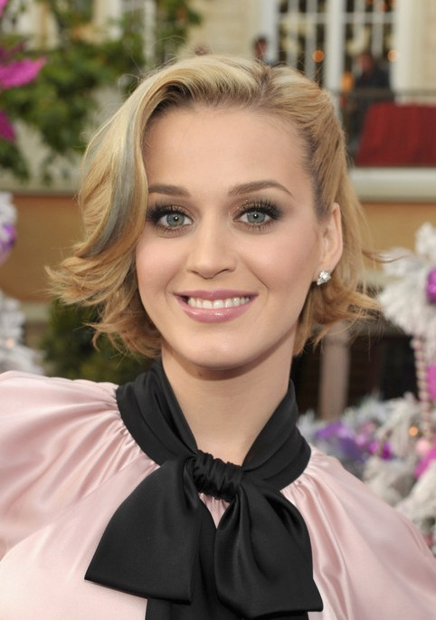 Katy-Perry-Short-Blonde-Bob-Hairstyle