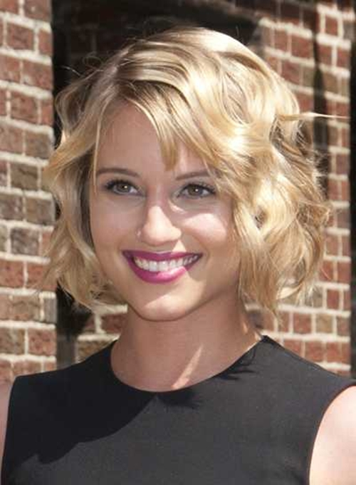 Short-Hairstyle-Side-Swept-Bangs-for-Square-Face