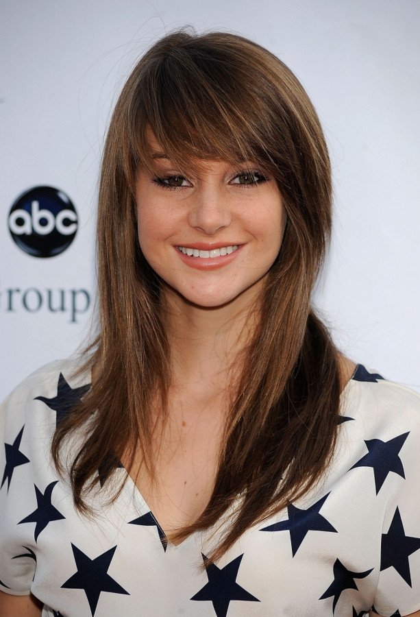 Side Swept Bangs for a Square Face - Women Hairstyles