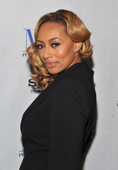 keri-hilson-short-curly-hairstyle
