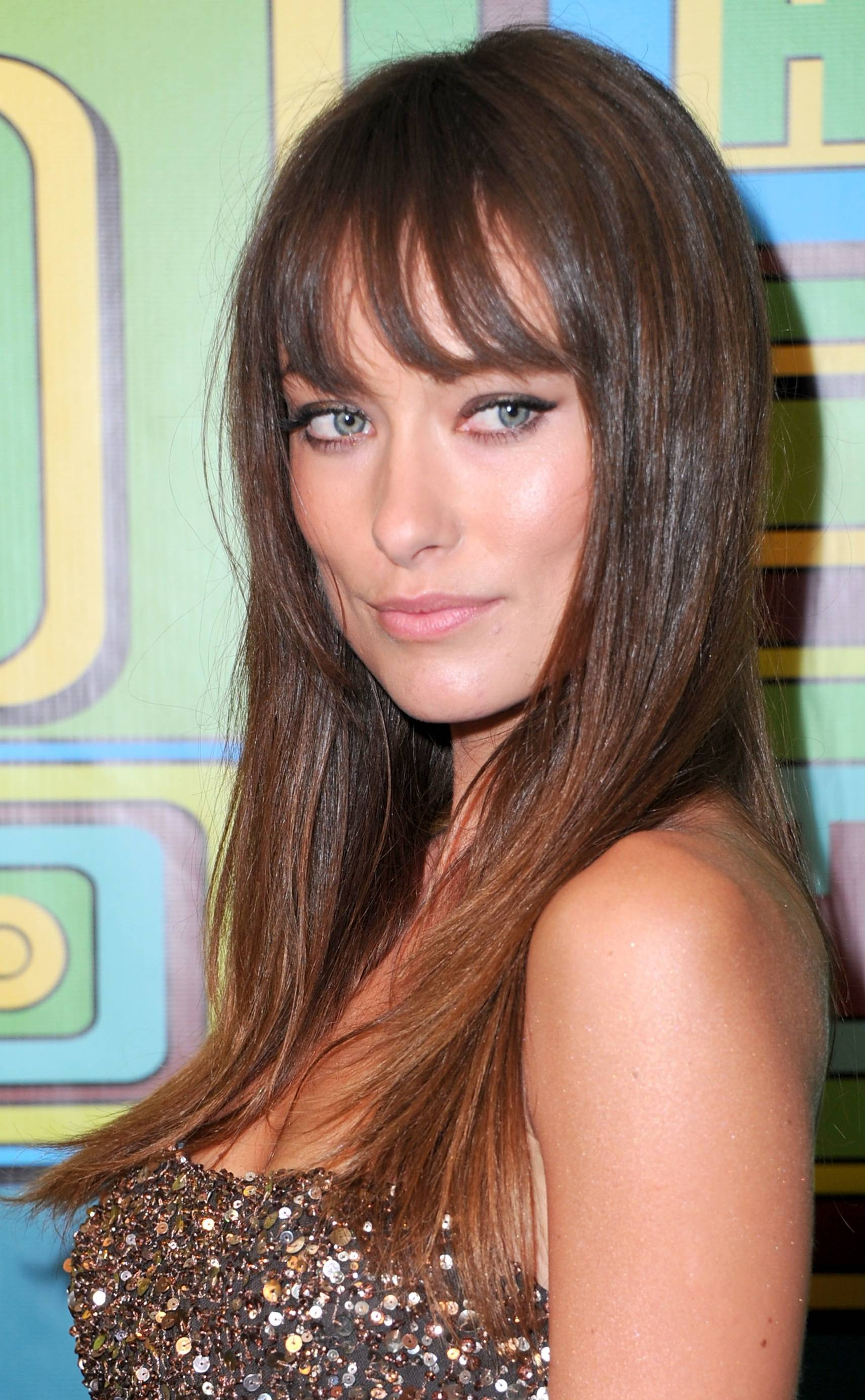 Wispy Bangs Hairstyle For Round Face Shape