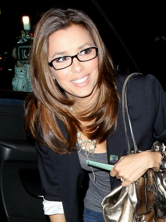 Best-Shoulder-Length-Hairstyles-with-Glasses