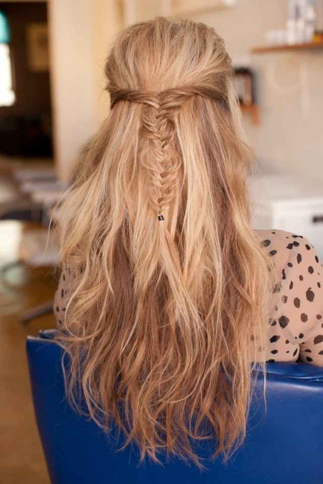 Messy-Fishtail-Half-Up-Do