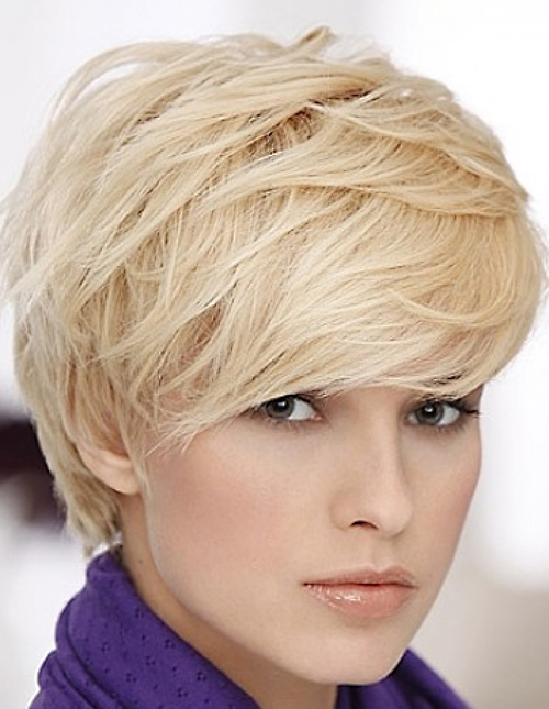 blonde-layered-pixie-haircut