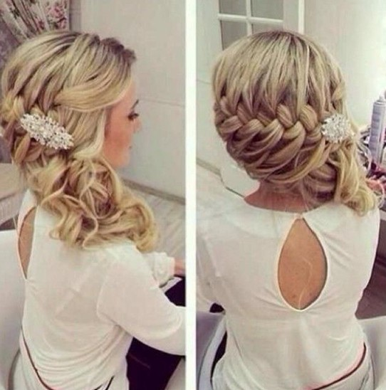 Side hairstyle hair