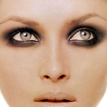 Eye make up look: The Smokey Eyes